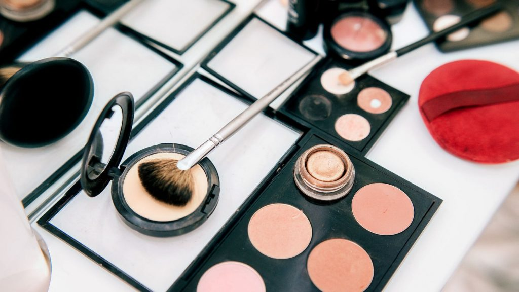Avoid applying too much of makeup
